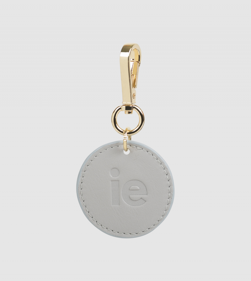 IE Leather Round Keychain. PEARL colour front