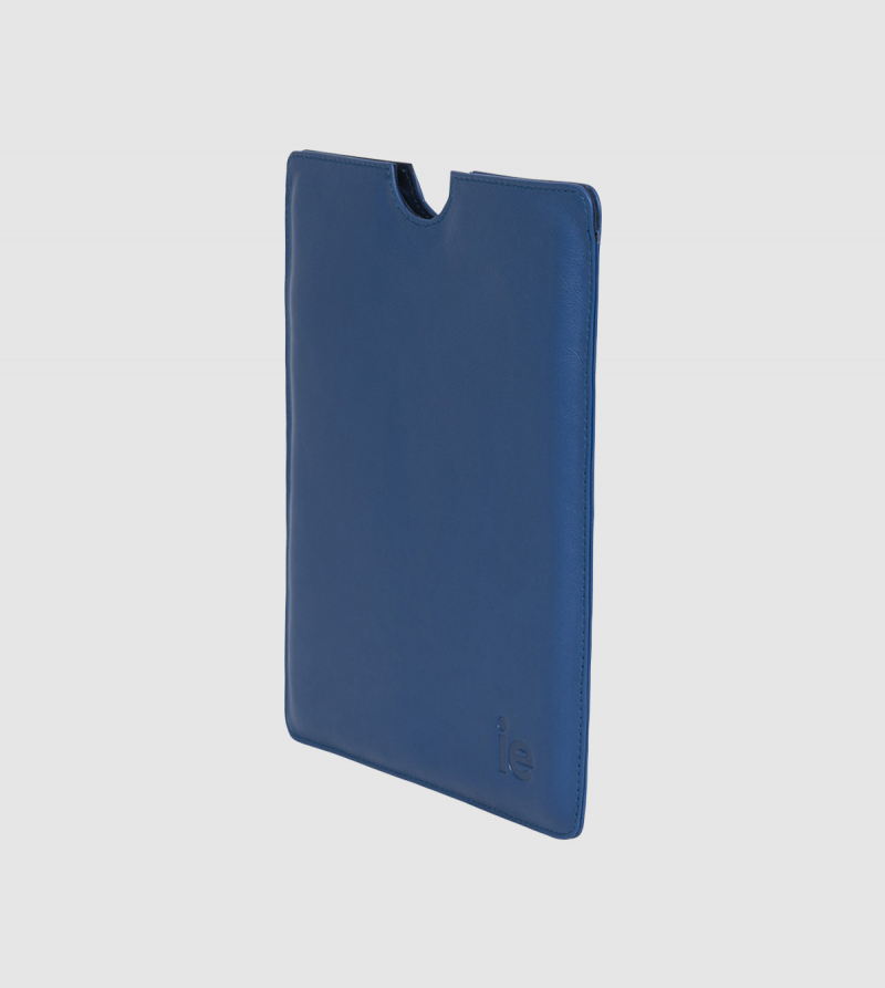 Funda Ipad IE de Cuero de color azul back