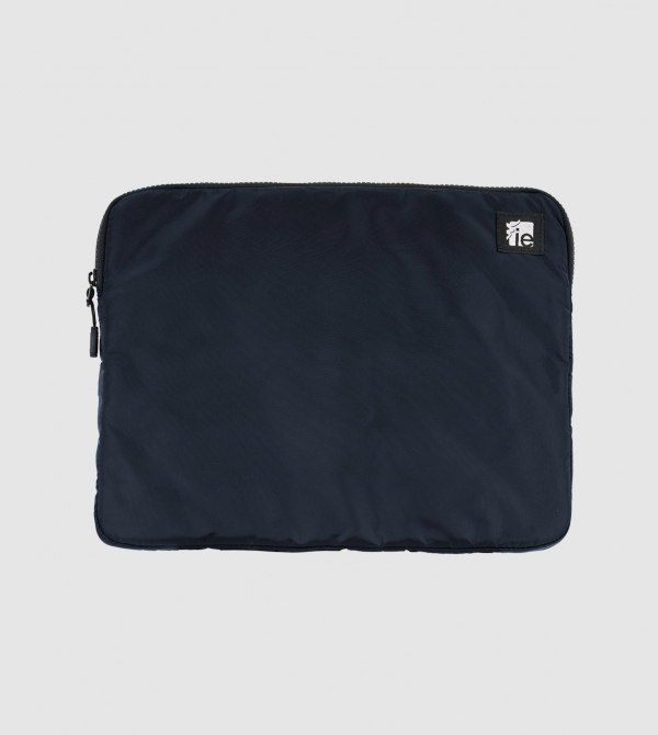 "Funda Macbook 13"" IE de color navy front"