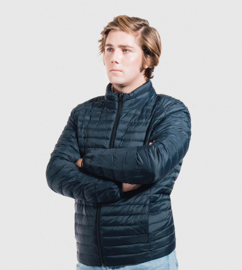 IE Jacket of Primaloft. Navy color front