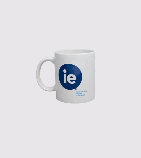 Taza IE Corporate de color blanco front